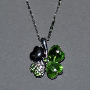Lucky shamrock necklace