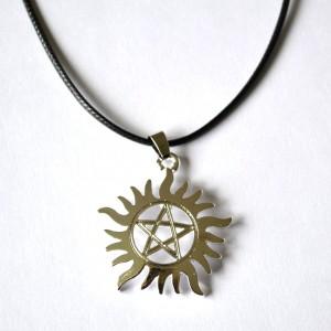 Pendant necklace pentacle star