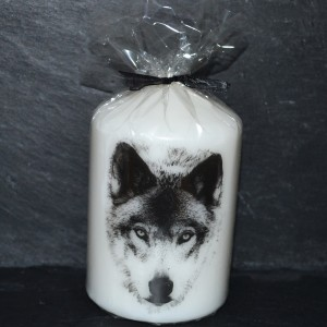Lovely wolf candle