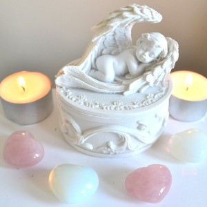 trinket box angel in wings sleeping