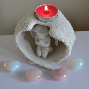 Tealight holder angel in wings