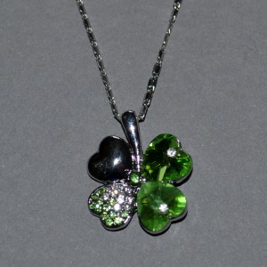 Lucky shamrock necklace