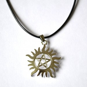 Pendant necklace pentacle star
