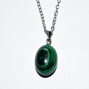necklace malachite pendant oval