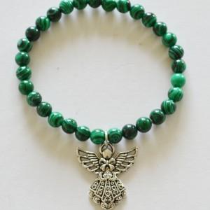 Bracelet in malachite with angel charm
