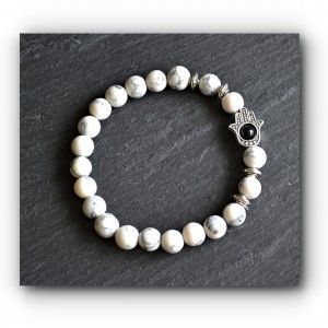 bracelet hand of fatima white howlite